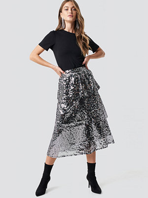 NA-KD Party Flounce Sequins Midi Skirt silver