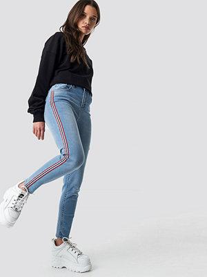 NA-KD Side Striped Skinny Jeans blå