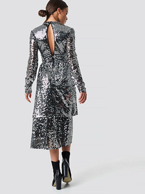 NA-KD Party Open Back Sequins Midi Dress silver