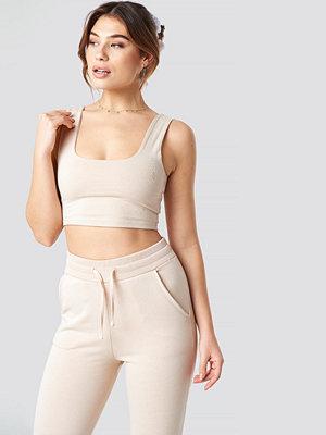 Pamela x NA-KD Cropped Soft Singlet beige
