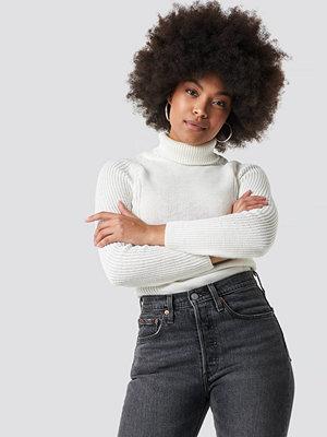 Trendyol Knitted High Neck Pullover vit