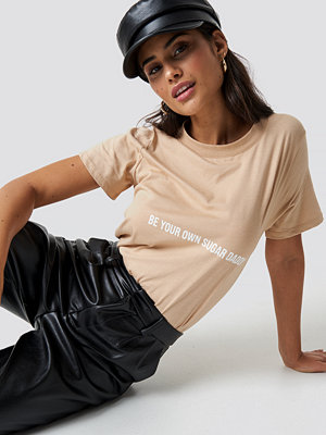 Chloé B x NA-KD Be Your Own Sugar Daddy Tee