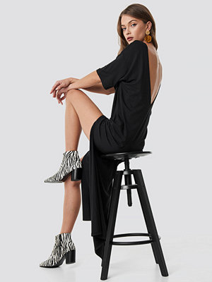 NA-KD Party Deep Back Oversize Dress svart