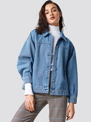Astrid Olsen x NA-KD Denim Jacket blå