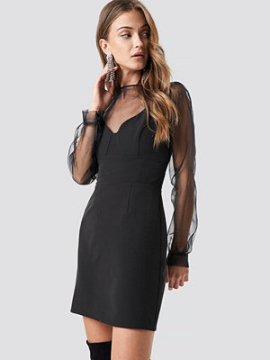 NA-KD Party V-Neck Bodycon Mini Dress svart
