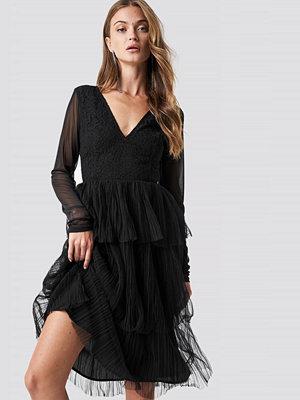 NA-KD Party Mesh Sleeve Layered Midi Dress - Festklänningar