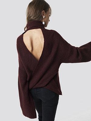 Hannalicious x NA-KD Open Back Overlap Sweater röd