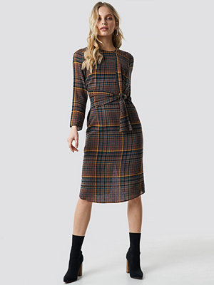 Mango Nudito Midi Dress brun