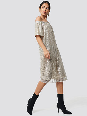 NA-KD Party Ruched Off Shoulder Sequins Dress silver