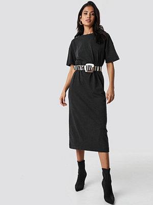 NA-KD Trend Washed Out Oversize Dress - Midiklänningar