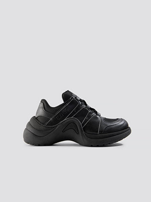 Sneakers & streetskor - NA-KD Shoes Wave Sole Trainers svart