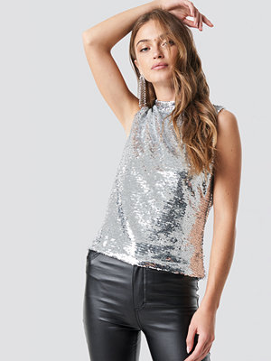 NA-KD Party Mock Neck Sequins Top silver