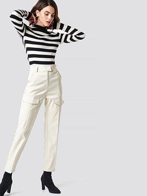 NA-KD Trend vita byxor Patch Pocket Straight Pants vit