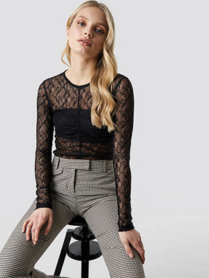 NA-KD Party Long Sleeve Lace Top svart