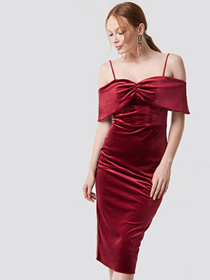 Trendyol Velvet Evening Dress röd