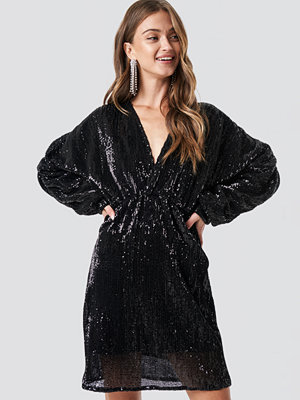 NA-KD Party Balloon Sleeve V-Neck Sequins Dress svart