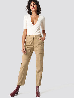 NA-KD Trend Patch Pocket Straight Pants beige byxor
