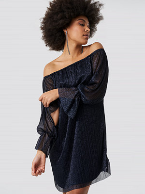 Trendyol Off Shoulder Luminous Dress blå