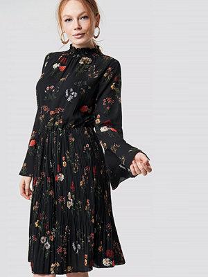 Rut & Circle Flower Smock Neck Dress - Midiklänningar