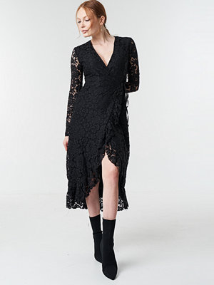 Trendyol Lace Sleeve Flywheel Dress - Midiklänningar