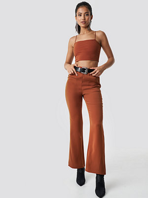 Hannalicious x NA-KD bruna byxor High Waist Bootcut Suit Pants orange