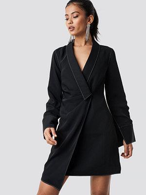 Hannalicious x NA-KD Draped Blazer Dress svart