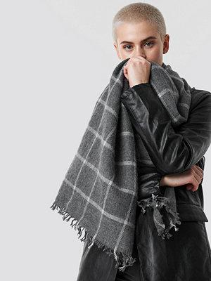 Trendyol Big Knitted Scarf - Halsdukar & Sjalar