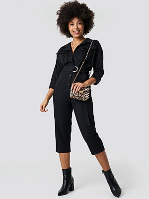 Jumpsuits & playsuits - NA-KD Trend Front Pockets Belted Jumpsuit svart