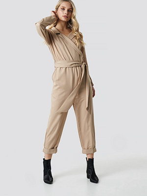 Jumpsuits & playsuits - NA-KD Trend Waist Belted Lapel Jumpsuit beige