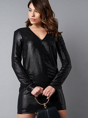NA-KD Party Square Shoulder Sequins Dress svart