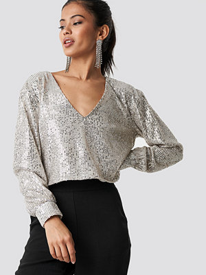 Hannalicious x NA-KD Oversized Wide Neck Sequin Blouse silver