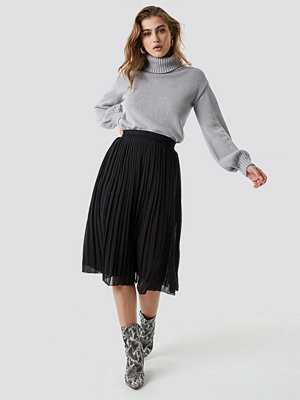 NA-KD Pleated Midi Skirt svart