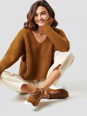 NA-KD Trend Boxy V Neck Knitted Sweater brun