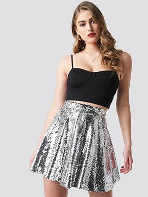 Pamela x NA-KD A-Lined Sequin Skirt silver