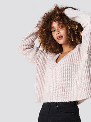 NA-KD Trend Boxy V Neck Knitted Sweater rosa