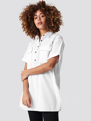 NA-KD Patch Pocket Oversized Shirt vit