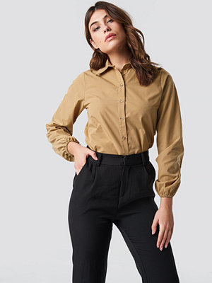 NA-KD Classic Elastic Cuff Balloon Sleeve Shirt - Skjortor