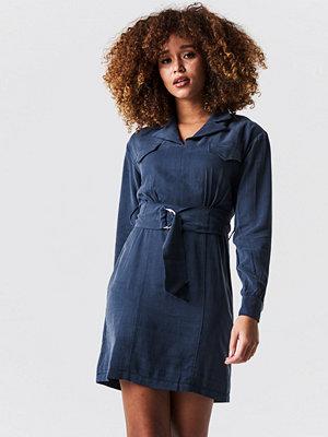 Trendyol Binding Detailed Mini Dress - Korta klänningar
