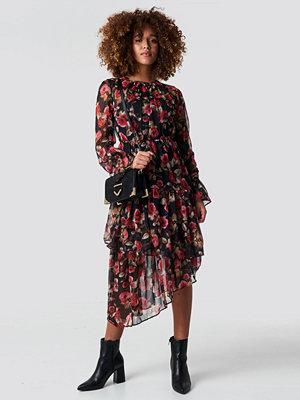 NA-KD Boho Asymmetric Chiffon Frill Dress - Midiklänningar