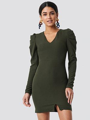 Trendyol Ruffle Sleeve Detail Dress grön