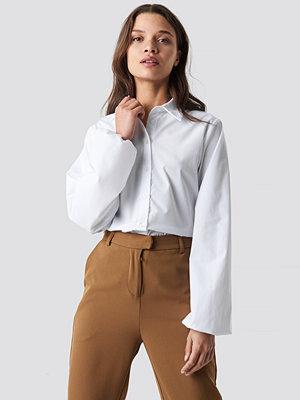 NA-KD Classic Elastic Cuff Balloon Sleeve Shirt vit