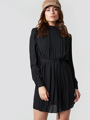Trendyol Ruffle Detailed Mini Dress - Korta klänningar