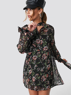 NA-KD Boho Dark Floral Print Tie Dress multicolor