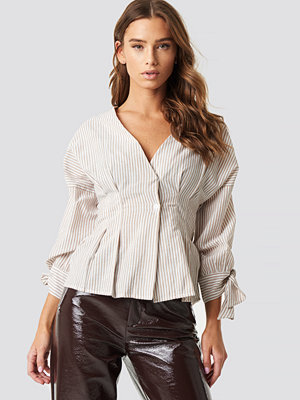 NA-KD Boho Pleat Detail Front Button Top - Skjortor