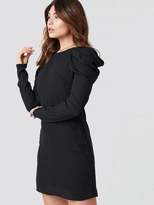 Trendyol Ruffle Sleeve Mini Dress - Korta klänningar