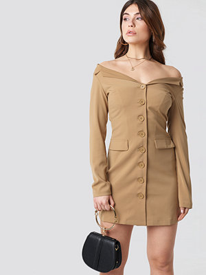 NA-KD Off Shoulder Blazer Dress beige