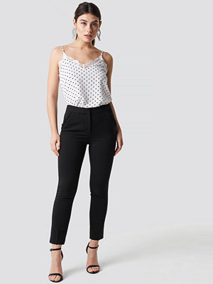 Trendyol svarta byxor Pocket Ruffle Detailed Trousers svart
