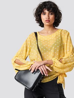 Rut & Circle Dot Sleeve Open Blouse gul