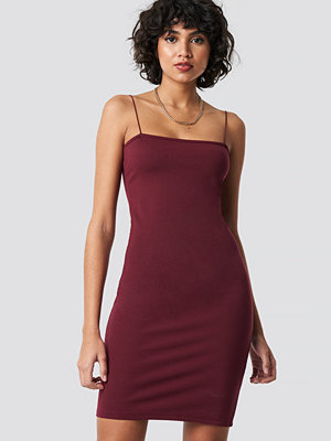 NA-KD Party Spaghetti Strap Dress - Korta klänningar