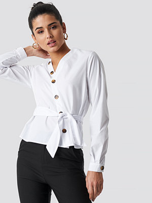 NA-KD Trend Asymmetric Buttoned Blouse - Blusar